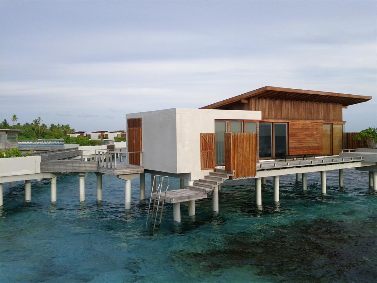 park-hyatt-maldives-hadahaa-over-water-villas-1